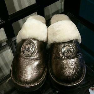 Michael Kors Crinkled Metallic Leather Slipper